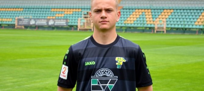 Jakub Cielebąk zkontraktem